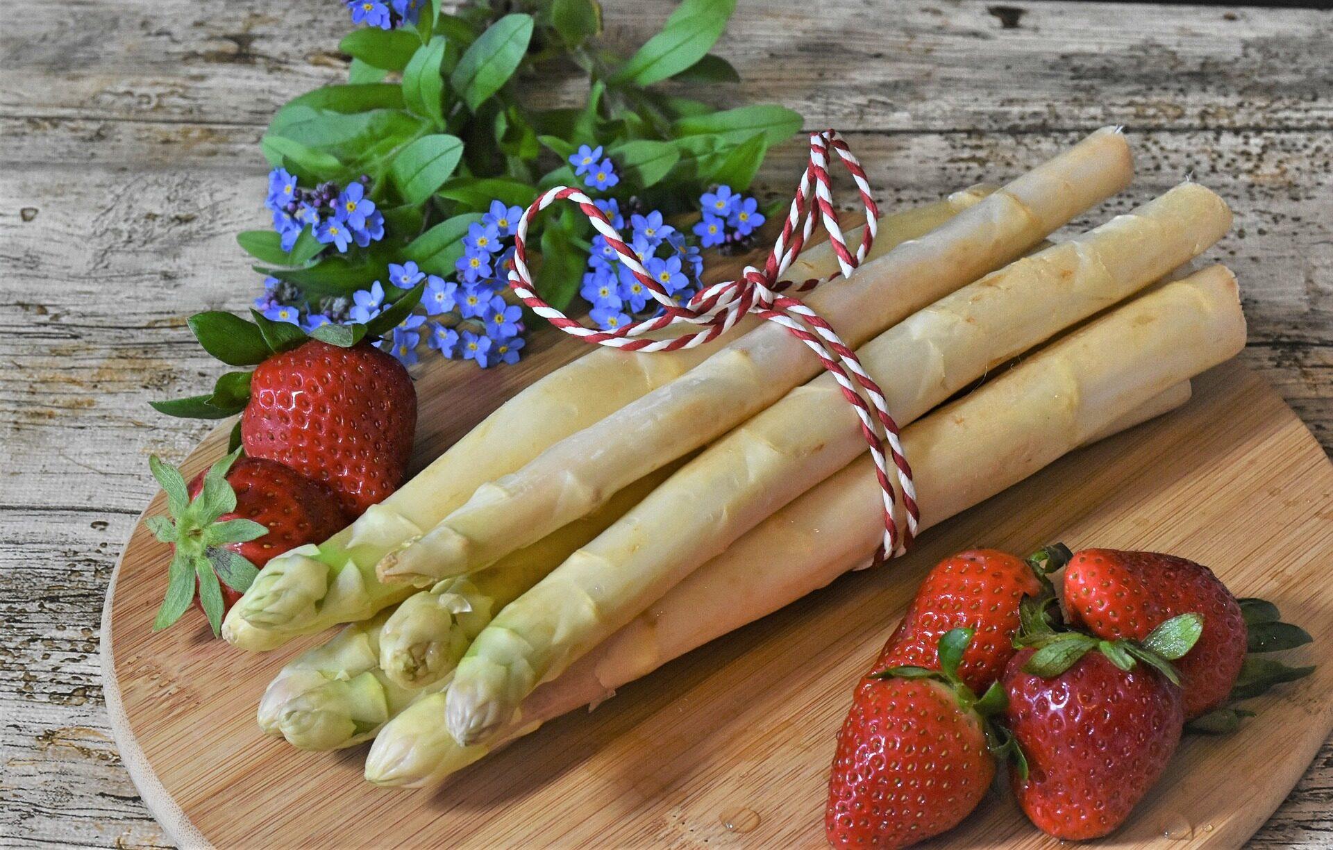 asparagus-4140312_1920.jpg